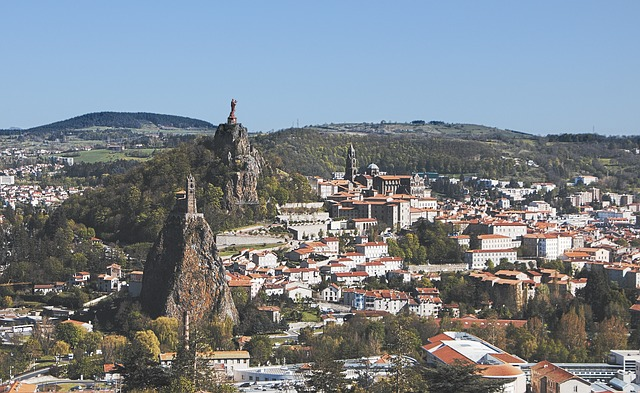 Le Puy en Velay et le chemin de Saint Jacques de Compostel.