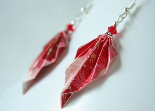 Boucles d'oreille feuilles rouges