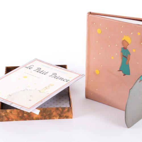 Création reliure couverture cuir marqueterie cuir le petit prince